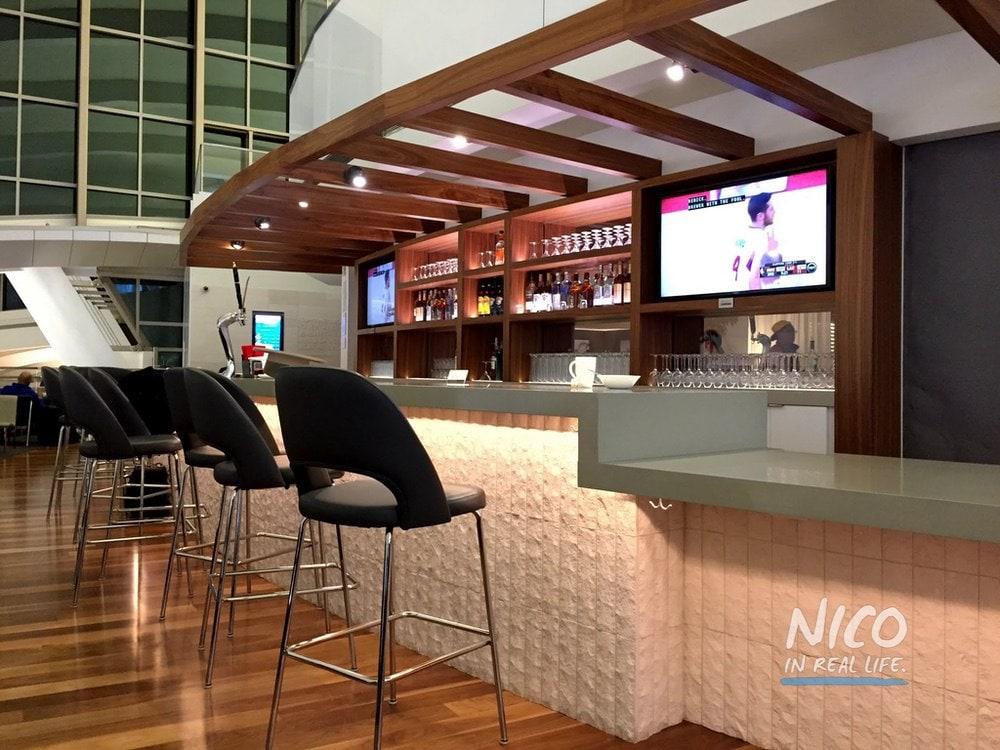 Star Alliance Lounge LAX Balcony Bar