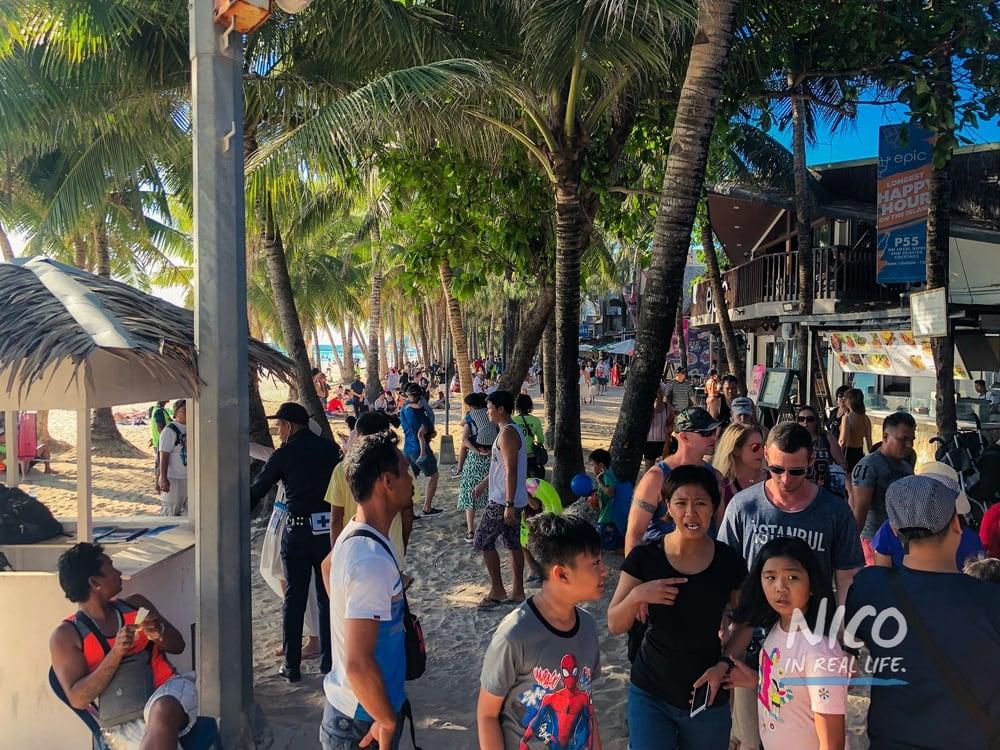 Congested walkway in Boracay